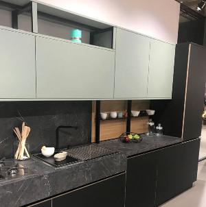 Тренд - черная кухня